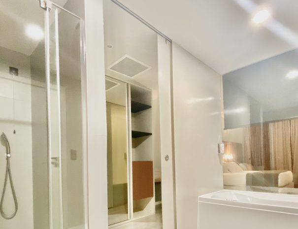 Suite - shower, bathtub e glass wall
